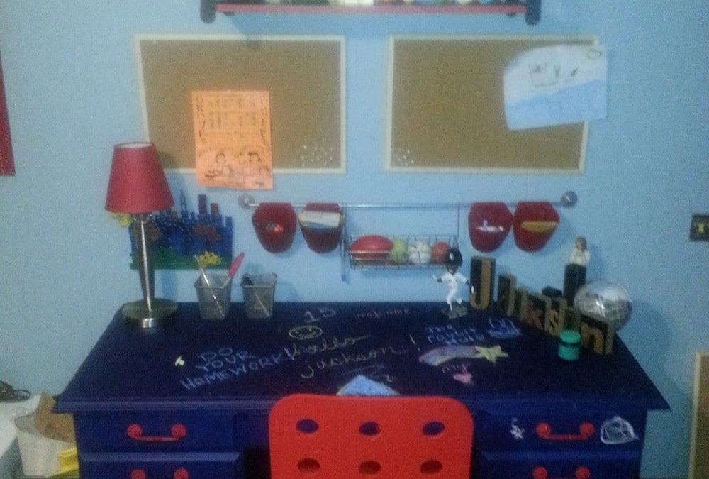 Boys Vintage Desk Makeover With Chalkboard Paint and Red Handles
