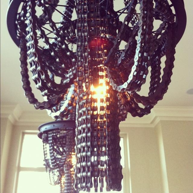 giddyupcycled-bikechain-chandelier