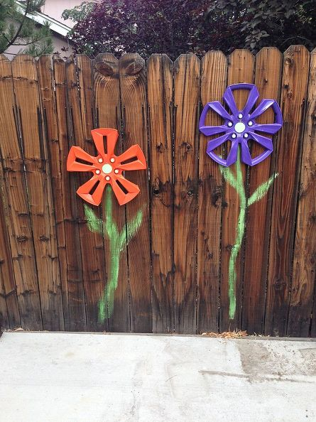 wheel-cover-fence-flowers-crafts-fences-gardening (2)