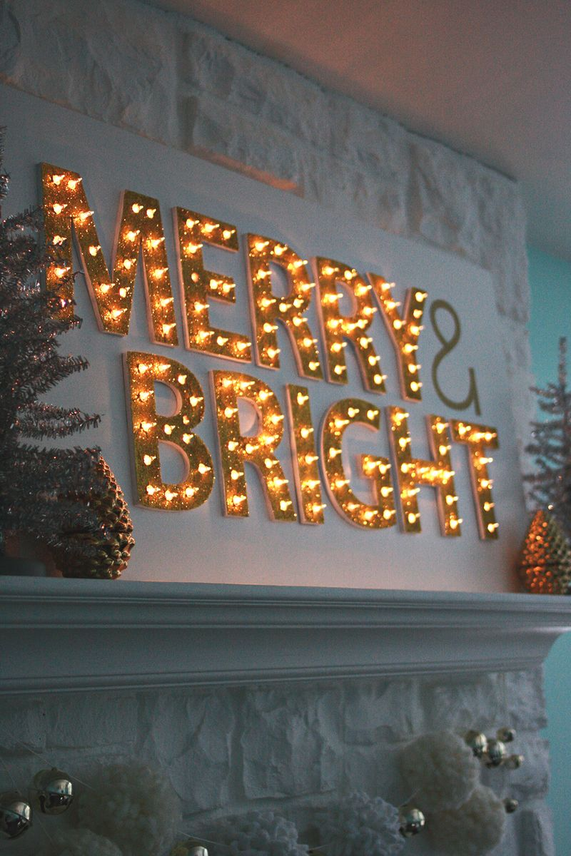 DIY Gorgeous Light Up Marquee for the Holidays