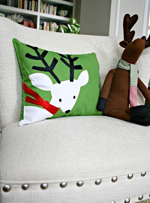 DIY Festive Christmas Pillows – SUPER EASY Project!