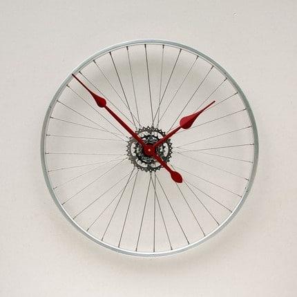giddyupcycled-bikewheelclock