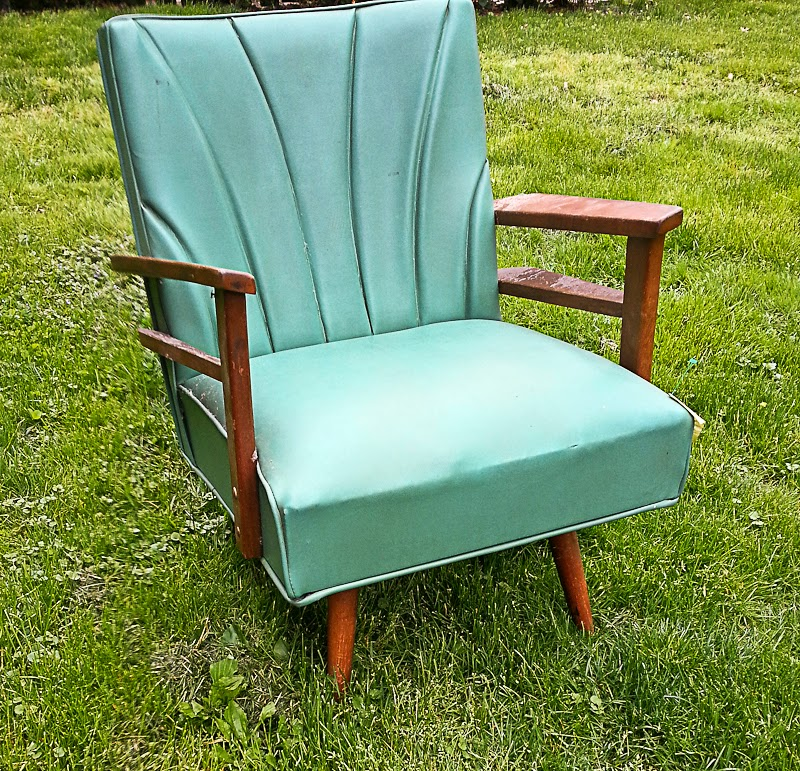 Dated Vinyl Chair Makeover – What Could Possibly Save This Chair?