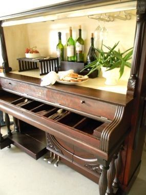 giddyupcycled-piano-bar